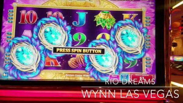 Las Vegasin matka päättyi jättipottiin – katso, kun bonuspeli antaa 18 000 dollaria
