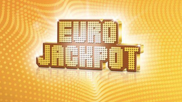 Lottoa torstaisin Casinohuoneella ja saat Eurojackpot-rivin puoleen hintaan